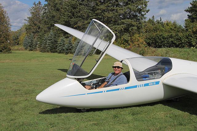 Rod Gets Ready For First Glider Solo